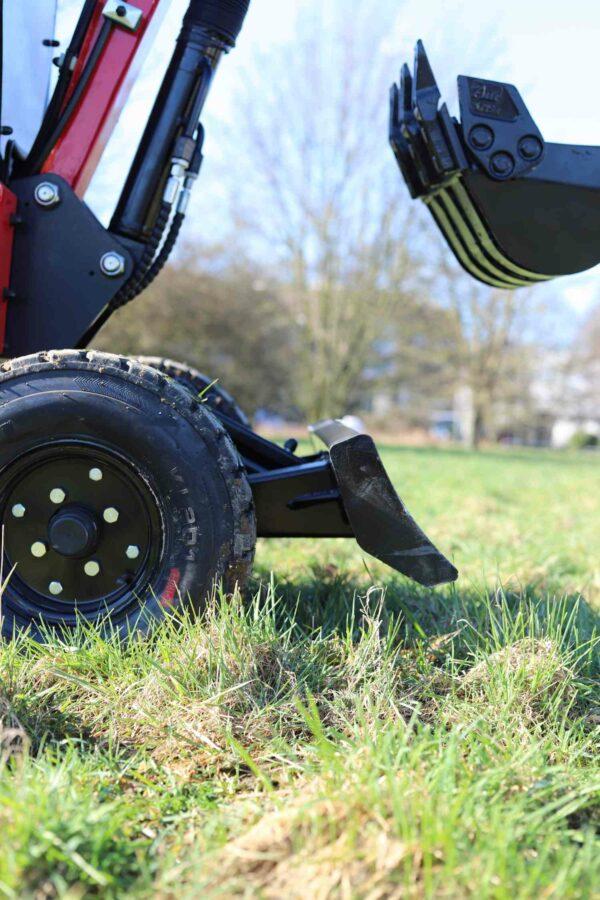Mini-excavator-with-4-wheels_BVR600K_11