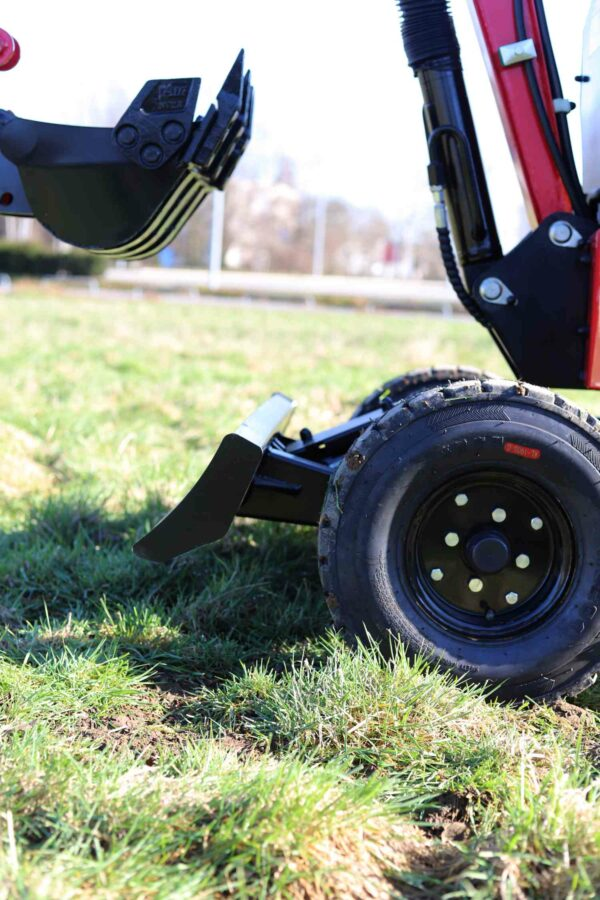 Mini-excavator-with-4-wheels_BVR600K_4